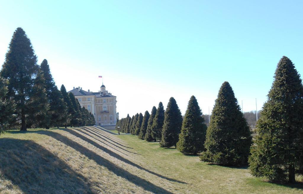 Konstantinovskiy Dvorec