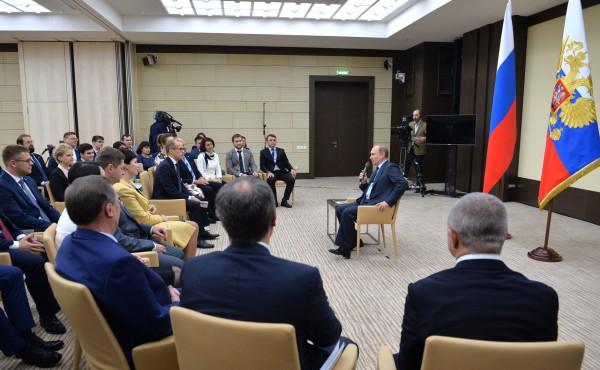 Владимир Путин на встрече с активистами ОНФ. Фото - http://www.kremlin.ru/