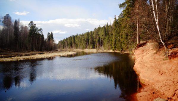 Voda LenOblast 16 04 2016 Siverskiy reka Oredeg 1