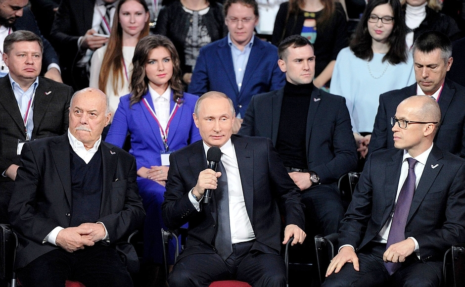 mediaforum-kremlin-ru-onf-putin-07-04-2016-2